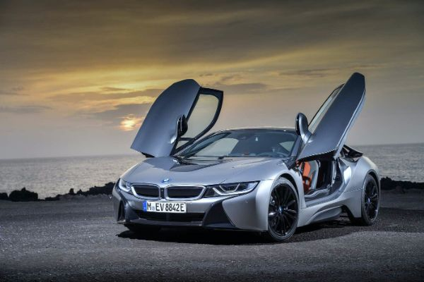10 Reasons To Buy The BMW i8 Sports Cars